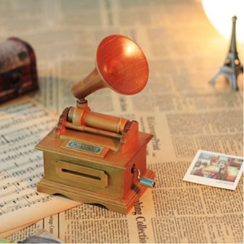 DIY Gramophone Music Box